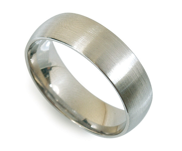 Men's Band with Brushed Finish in Platinum